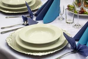 Rozsądne biesiadowanie, czyli jak (nie)jeść na imprezach rodzinnych