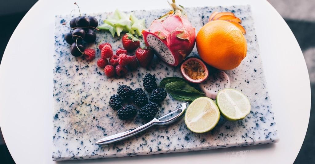Jak jeść żeby się nie przejeść - zdjęcie owoce